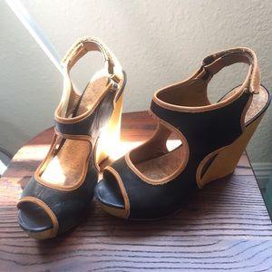 Sam Edelman Leather & Wood peekaboo heel sandal. 8